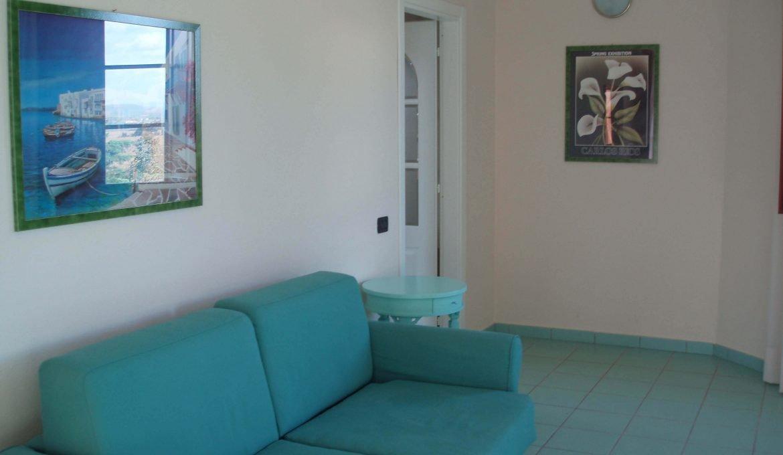 First floor three-room apartment