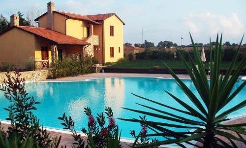 Villaggio Turistico Airone a Follonica con piscina